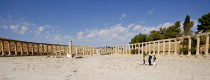 Fördärvar av den berömda arkeologiska staden av Jerash i Jordanien Arkivbild