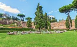 Fördärvar av den berömda Roman Baths av Caracalla (Thermae Antoninianae) Fotografering för Bildbyråer