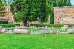 Fördärvar av den berömda Roman Baths av Caracalla (Thermae Antoninianae) på den soliga dagen Arkivbilder