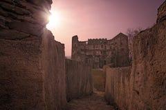 Fördärvar av den Bolkow slotten på solnedgången Royaltyfri Bild