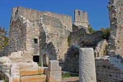 Fördärvar av den borttappade staden Dvigrad i Istria, Kroatien fotografering för bildbyråer