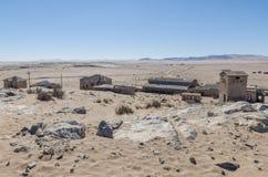 Fördärvar av den en gång blomstrande tyska bryta staden Kolmanskop i den Namib öknen nära Luderitz, Namibia, sydliga Afrika Arkivfoton