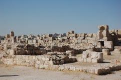 Fördärvar av den forntida citadellen Amman, Jordanien Royaltyfri Foto