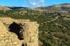 Fördärvar av den forntida fästningen, övreGalilee, Israel Begrepp: lopp, historia och natur Arkivfoto