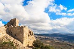 Fördärvar av den forntida fästningen, övreGalilee, Israel Begrepp: lopp, historia och natur Arkivbilder