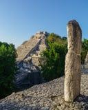 Fördärvar av den forntida Mayan staden av Becan, Mexico Arkivfoton