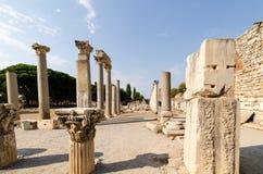 Fördärvar av den forntida staden av Ephesus, gammalgrekiskastaden in royaltyfria bilder
