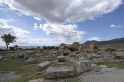 Fördärvar av den forntida staden Hierapolis, Denizli/Turkiet royaltyfri foto