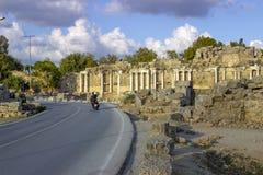 Fördärvar av den forntida staden av sidan, Turkiet royaltyfri bild