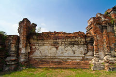 Fördärvar av den forntida tempelväggen Arkivbilder