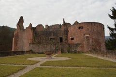 Fördärvar av den gamla slotten Hardenburg Royaltyfri Foto