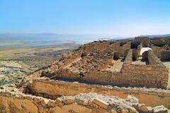 Fördärvar av den Herods slotten i den Masada fästningen, Israel arkivbilder