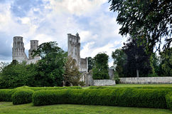 Fördärvar av den Jumieges abbotskloster, Frankrike Royaltyfri Fotografi
