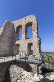 Fördärvar av den medeltida slotten för det 14th århundradet, den Ogrodzieniec slotten, slingan av de Eagles redena, Podzamcze, Po Royaltyfria Bilder