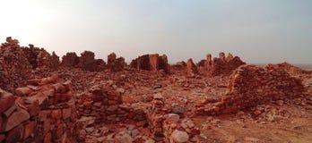 Fördärvar av den Ouadane fästningen i Sahara, Mauretanien Fotografering för Bildbyråer