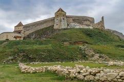 Fördärvar av den Rasnov fästningen Arkivfoton