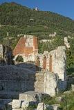 Fördärvar av den romerska teatern i Gubbio (Umbria, Italien) Royaltyfri Fotografi