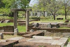 Fördärvar av den sakrala staden i Anuradhapura, Sri Lanka Arkivfoto