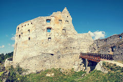 Fördärvar av den Topolcany slotten, den slovakiska republiken, Centraleuropa, retr royaltyfri fotografi