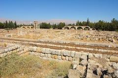 Fördärvar av den Umayyad staden av Anjar royaltyfria bilder