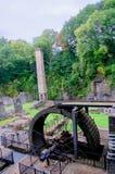 Fördärvar av den vattenhjulet och lampglaset royaltyfri bild
