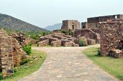 Fördärvar av det Bhangarh fortet arkivbilder