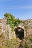 Fördärvar av det Mogren fortet (1860) nära Budva Arkivbild