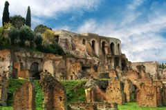 Fördärvar av det romerska fora, Rome, Italien royaltyfri bild
