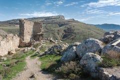 Fördärvar av en forntida fästning i Balaklava Arkivbild
