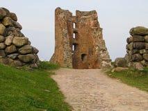 Fördärvar av en forntida feodal slott royaltyfria bilder