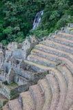 Fördärvar av en forntida stad på Inca Trail till Machu Picchu, Peru arkivbilder