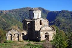 Fördärvar av en forntida tempel i Kaukasuset Royaltyfri Bild