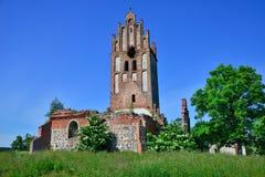 Fördärvar av en gotisk kyrka Arkivbild