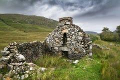 Fördärvar av en irländsk svältstuga fotografering för bildbyråer