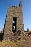 Fördärvar av engelsk tenn- min i Cornwall Royaltyfria Foton