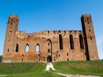 Fördärvar av ett medeltida Ordensburg slott som byggs av de Teutonic riddarna, Radzyn Chelminski, Polen Arkivfoton