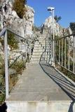 Fördärvar av fästning för Asen ` s och kyrka av den heliga modern av guden, Asenovgrad, Bulgarien Fotografering för Bildbyråer