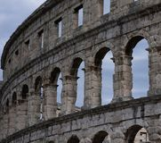 Fördärvar av forntida amfiteater i Pula croatia arkivbild