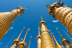 Fördärvar av forntida Burmese buddistiska pagoder Royaltyfria Bilder