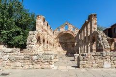 Fördärvar av forntida kyrka av helgonet Sophia i staden av Nessebar, den Burgas regionen, Bulgarien royaltyfria foton