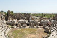Fördärvar av forntida romersk amfiteater i sida Royaltyfria Foton