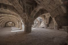 Fördärvar av forntida Smyrna i den Izmir staden, Turkiet arkivbilder