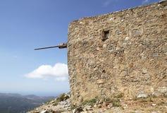 Fördärvar av forntida Venetian väderkvarnar som byggs i det 15th århundradet, den Lassithi platån, Kreta, Grekland Royaltyfri Fotografi