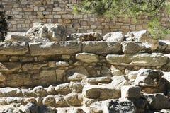 Fördärvar av fundamentet av slotten av Knossos royaltyfri bild