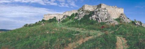 fördärvar av gammal övergiven slott i Slovakien - retro blick för tappning royaltyfri bild