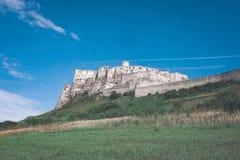 fördärvar av gammal övergiven slott i Slovakien - retro blick för tappning royaltyfria foton