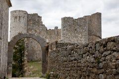 Fördärvar av gammal medeltida slott av Bargeme i Provence Frankrike Royaltyfri Bild