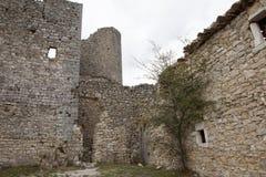 Fördärvar av gammal medeltida slott av Bargeme i Provence Frankrike Royaltyfria Foton