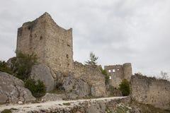 Fördärvar av gammal medeltida slott av Bargeme i Provence Frankrike Arkivfoton