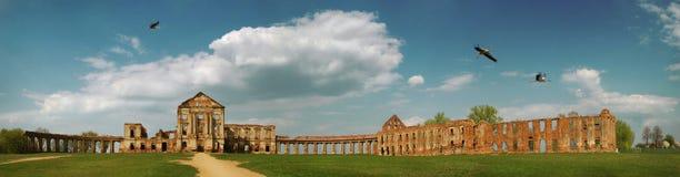 Fördärvar av gammal slott Arkivbild
